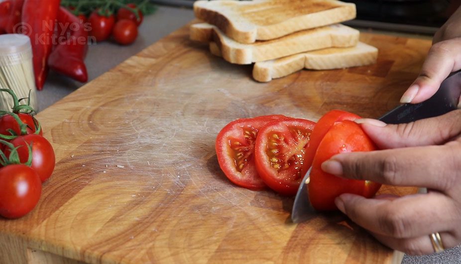 cutting-tomato