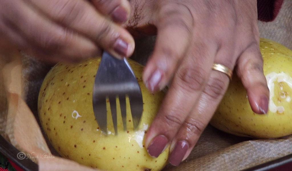 poke-hole-on-potatoes
