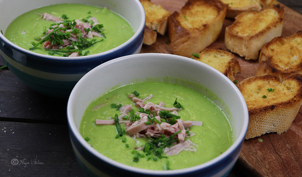 pea-and-ham-soup-with baguette
